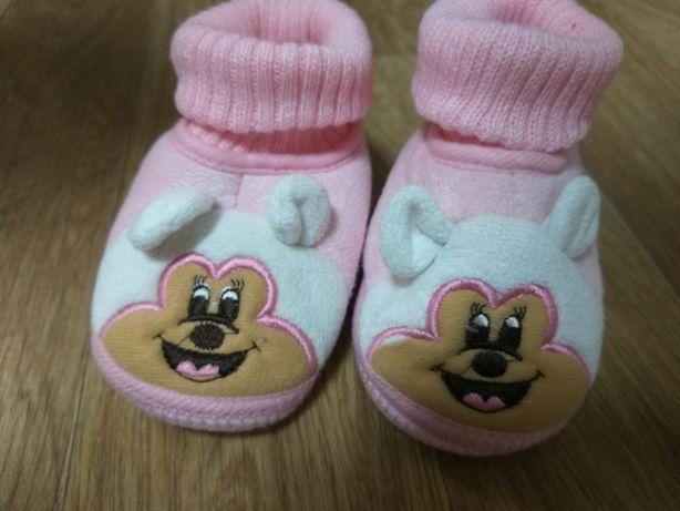 Тапочки для малыша (носки, носкотапки, чешки)