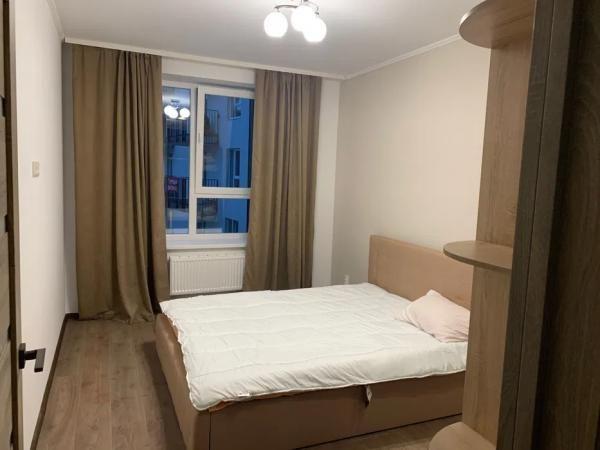 Оренда 2-кімнатної квартири в новобудові по вул.Малоголосківська