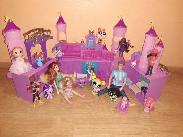Zamek z wyposażeniem