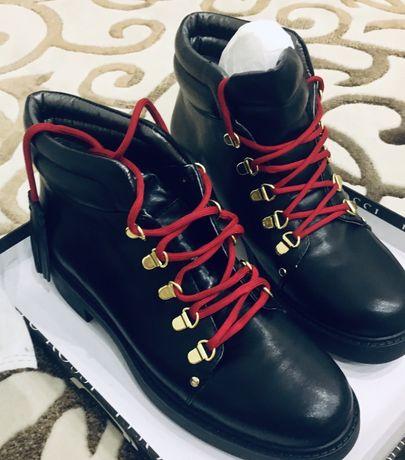 Новые модные стильные кожанные ботинки 39