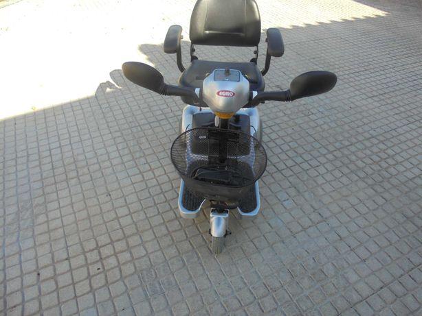Triciclo de mobilidade reduzida