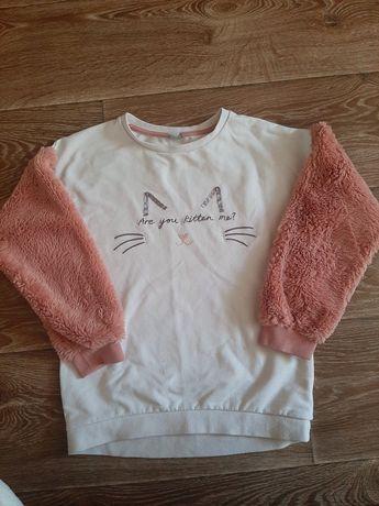 Свитшот,свитер в новом состоянии