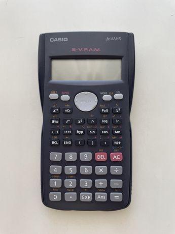 Calculadora científica Casio. Em bom estado.
