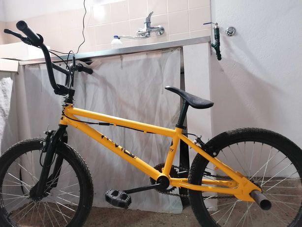 Vendo BMX como nova