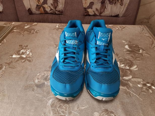 Волейбольные,тенистый, кроссовки Mizuno Wave BOLT 7