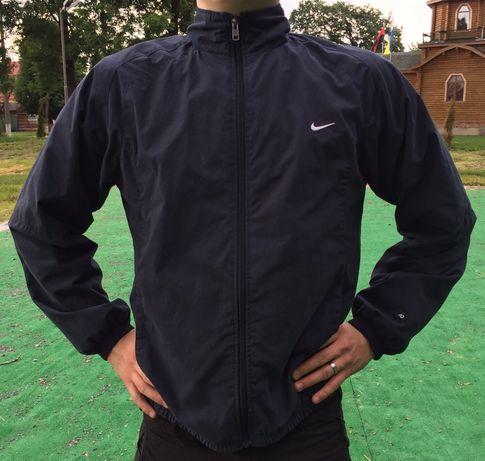 Вітровка Nike