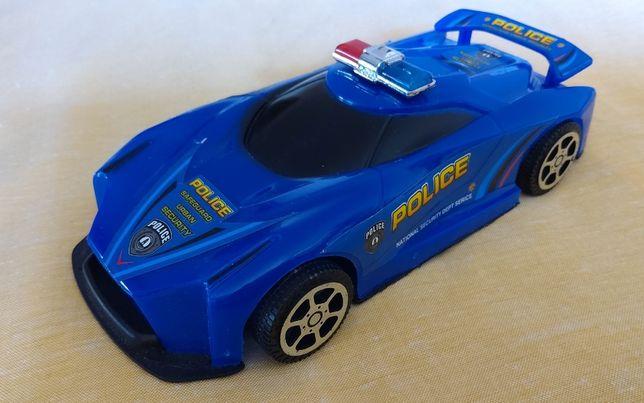 Машинка полицейскя новая