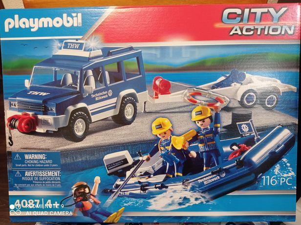 4087 Playmobil. Команда THW. Спасатели на броневике и катере с мотором