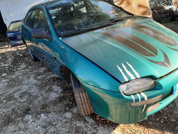 Mazda 323 para peças