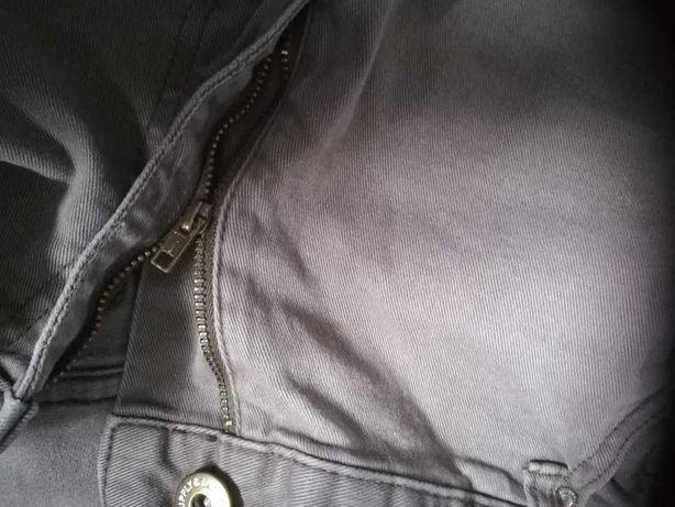 Spodnie męskie (uszkodzone)