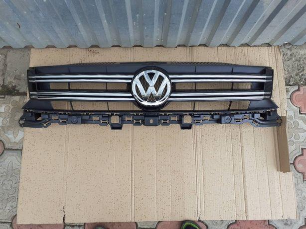 Решётка радиатора на VW Tiguan 5N0 (2012-2016) 5N0853651J9B9 Тигуан