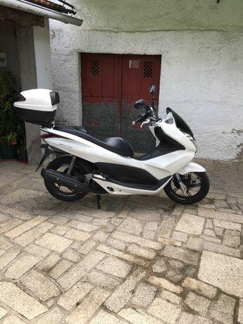 Honda PCX (1 geração)