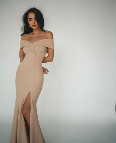 Платье бежевое вечернее длинное