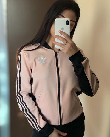 Женский бомбер от Adidas розовый с лампасами кофта Адидас свитшот худи