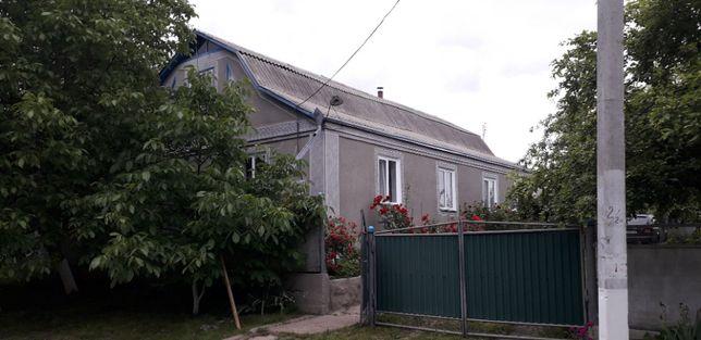 Будинок в центрі с. Вікторівка