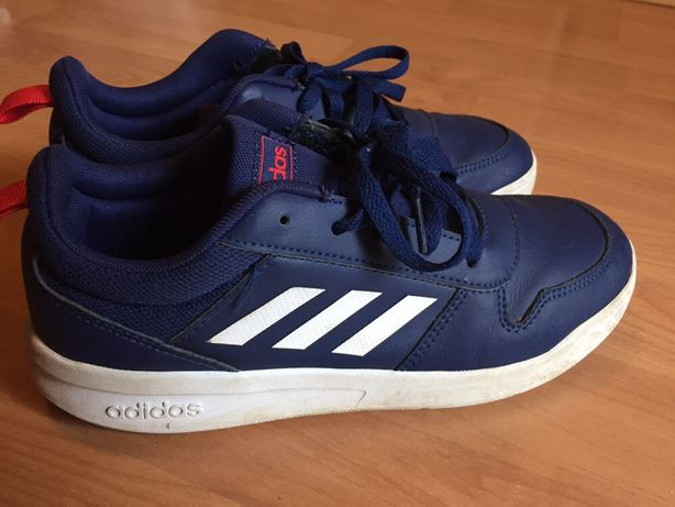 Ténis Adidas azul tam. 37,5 para rapaz em bom estado.