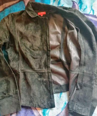 Дві шкіряні куртки 46-48 розміру. Ціна 300грн кожна.