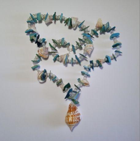 Бусы из ракушек морские