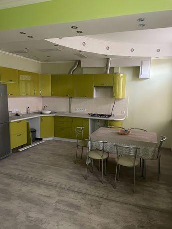 Квартира в центре Мариуполя 132 м2. Сталинка, проспект Мира, 5/7.