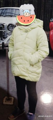 Куртка красивая салатового цвета,размер 10