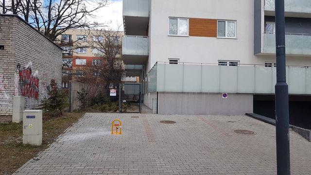 indywidualne miejsce parkingowe  Dąbrowa ul. Mazurska 54