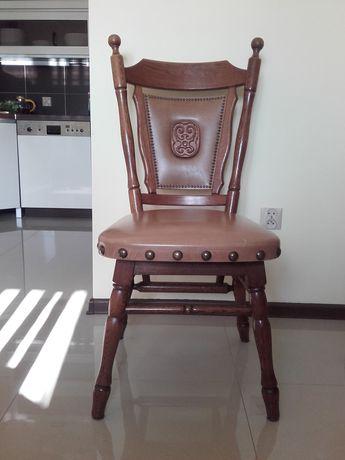 Krzesło drewniane, zdobione x4