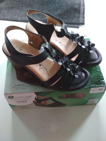Sandały damskie rozmiar 37.Nowe