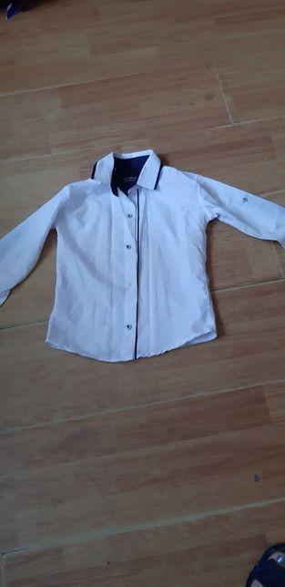 Крутая белая рубашка на мальчика