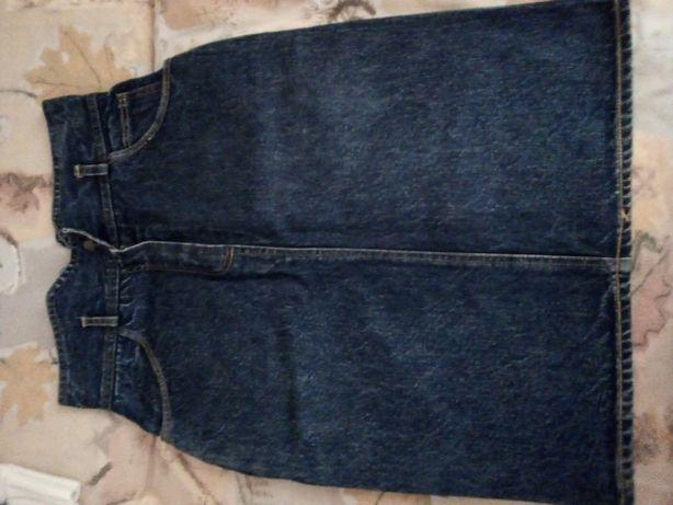 Юбка джинсовая(на кармане вышиты ежики)