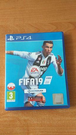 Sprzedam FIFA 19