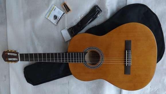 Guitarra clássica MSA