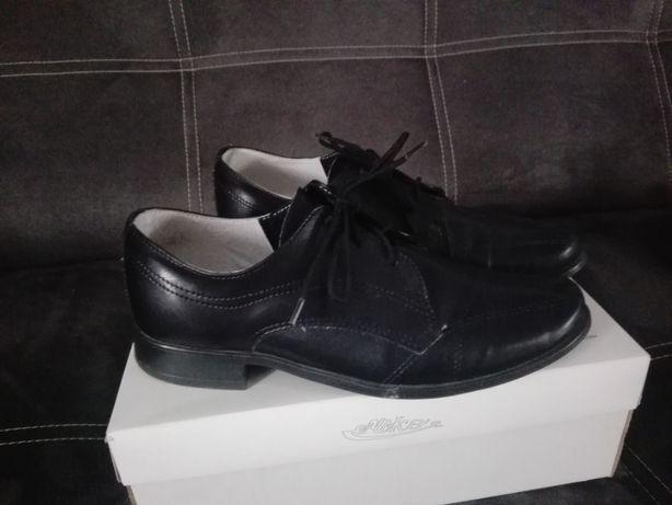 Eleganckie buty dla chłopca