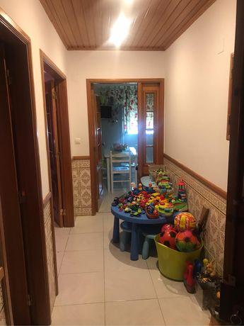 Apartamento T2 com otimas areas na Rinchoa