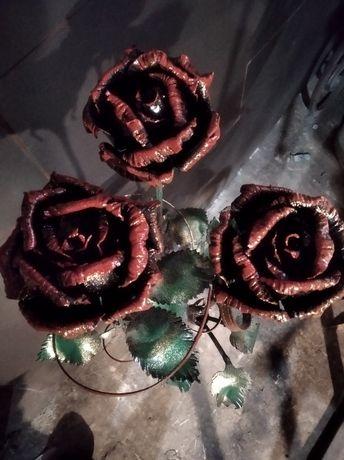 Кована роза ручна робота