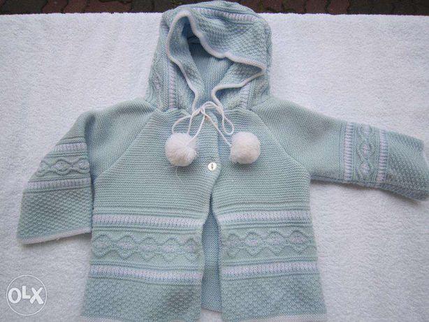 Błękitny sweter w roz 92. Bardzo ciepły . Do chrztu i nie tylko.