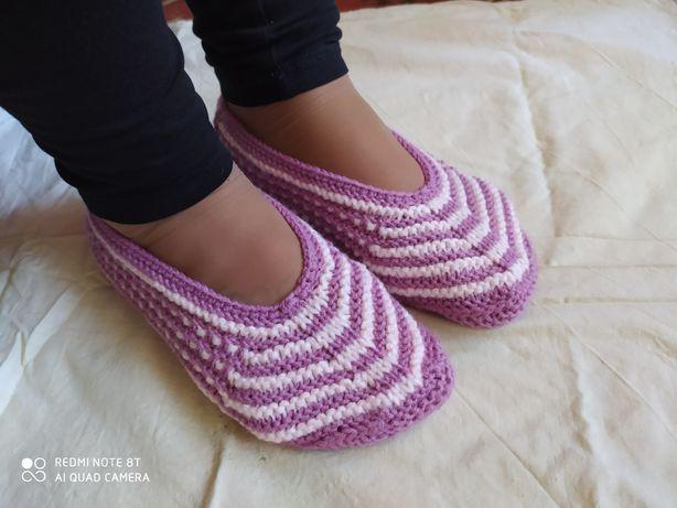 В'язані носки, тапочки, слідки