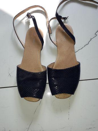 Sandały ,kilka razy tylko założone w bardzo dobrym stanie, bez żadnych