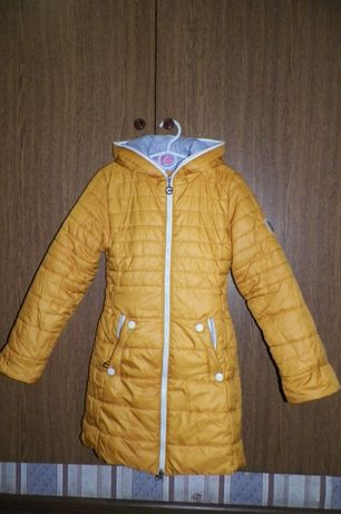 куртка демисезонная,парка,пуховик.плащ осень-весна на девочку