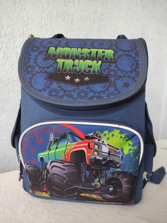 Школьный ортопедический рюкзак для мальчика 1-3 класс
