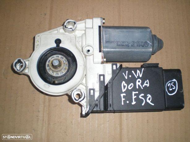 Motor elevador vidro 1C2959801A VW / BORA / 2003 / FE /