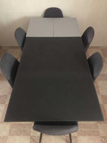 Mesa extensível de vidro temperado com 6 cadeiras