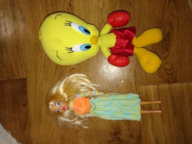 Барби кукла и цыпленок