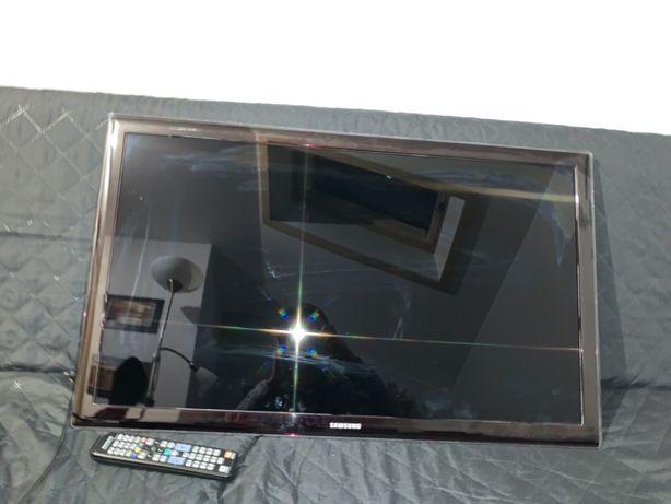 """Samsung 37"""" D5500 FullHD 2011 Uszkodzony (płyta główna)"""