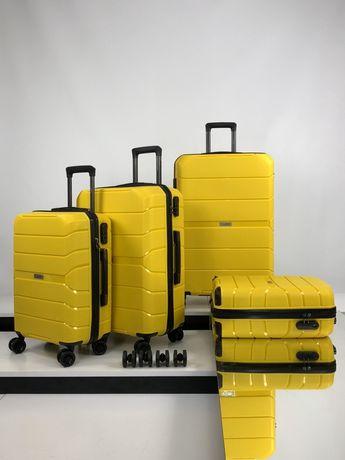 Дорожный чемодан Johny на 4 колесах из поликарбоната, 225