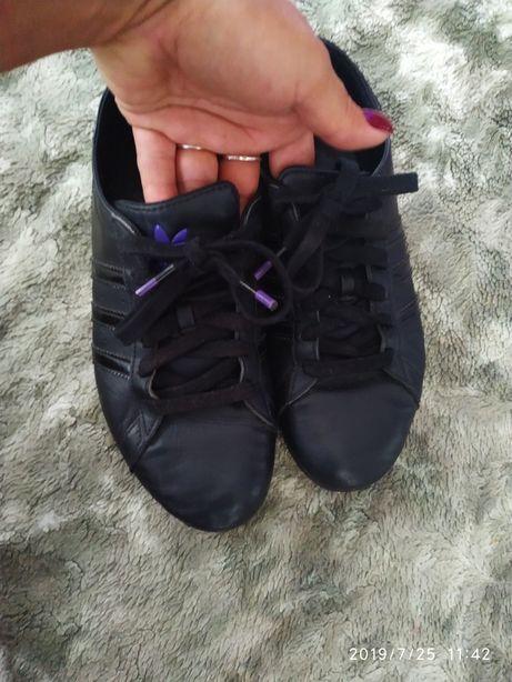 Фирменные кожаные кроссовки макасины adidas размер 36 по стельке 23,5