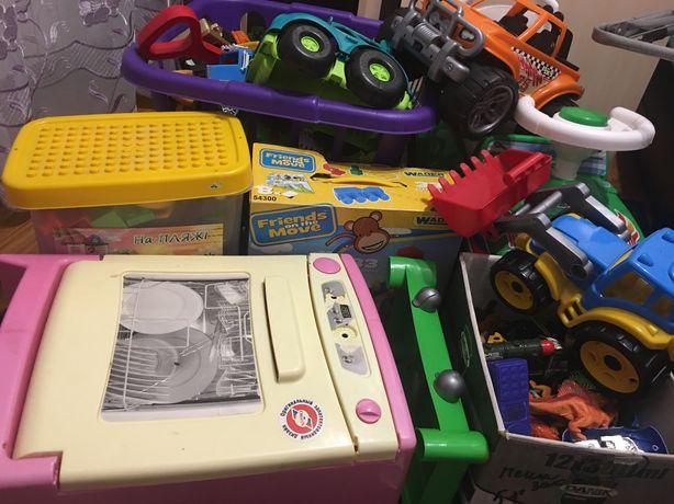 Розпродаю игрушки