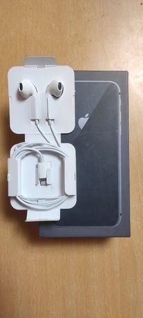 Наушники  iPhone 8