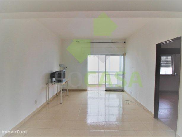 T1 em Monte Abraão para arrendamento