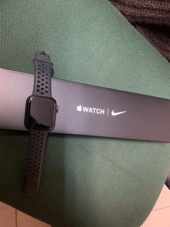 Apple Watch 6 44mm Nike com extras na garantia