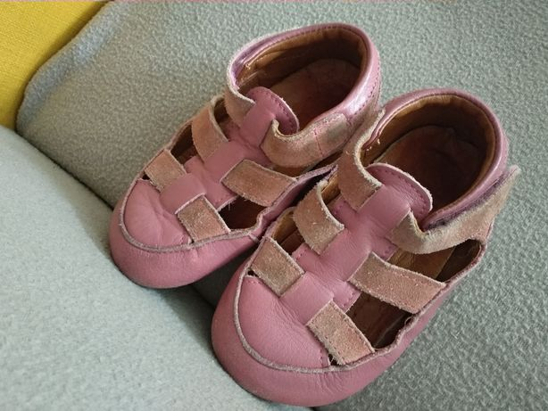 Skórzane pantofle, rozm. 25